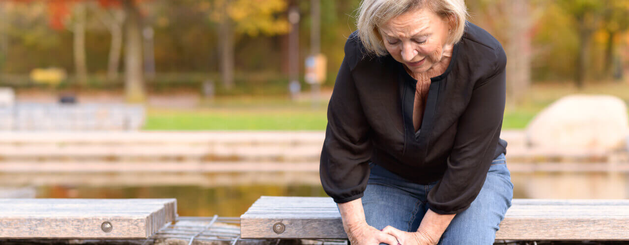 Physiotherapy can help relieve your hip and knee pain